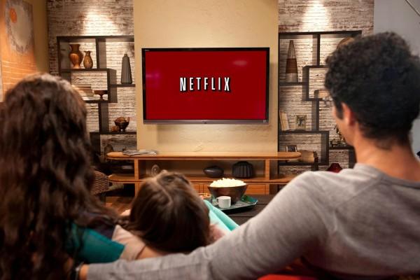 Letölthető tartalmakkal erősíthet a Netflix