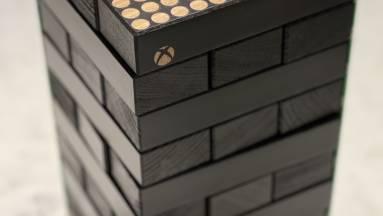 Létezik az Xbox Series X mintájára készült Jenga készlet kép