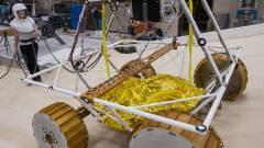 A NASA vízkereső robotot küld a Holdra kép