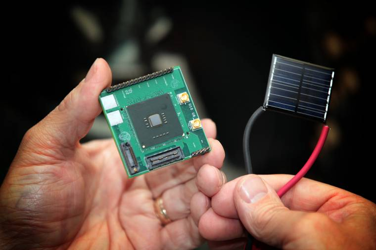 Intel Clermont CPU