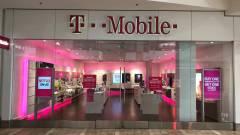 Elismerte a T-Mobile, hogy behatoltak a rendszerébe kép