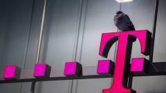 Bocsánatot kért a T-Mobile elnöke, változásokat ígér a támadás után kép