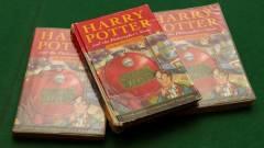 Egy lakás áráért kelt el egy első kiadású Harry Potter könyv kép