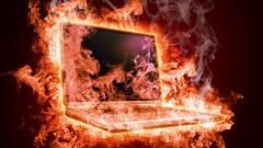Kigyullad a laptop a kézben - létezik ilyen? kép