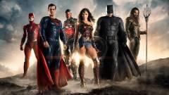 Flash, Batman és Wonder Woman pózolnak a legújabb Igazság Ligája képen kép