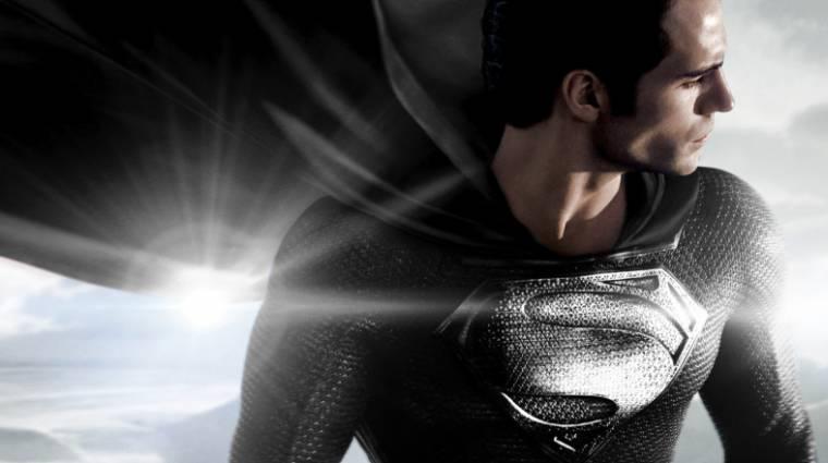 Zack Snyder megosztott egy hivatalos képet Supermanről a fekete jelmezben kép