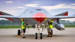 Túl van első tesztrepülésén a drón, ami később a levegőben tankolhatja a repülőgépeket kép