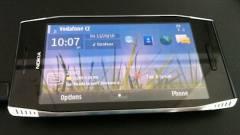 Négy hangszóró került a Nokia X7-be kép