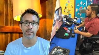 Ryan Reynolds fogyatékkal élő gamereknek segít, hogy nekik szánt perifériákat kapjanak kép