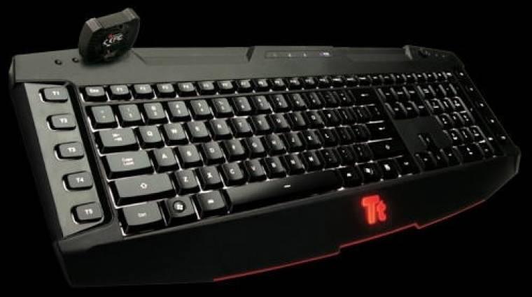 Játékos billentyűzet és Diablo III-mas egérpad kép