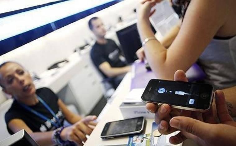 okostelefon-eladás