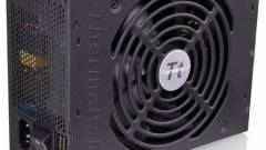 1350 wattos Toughpower PSU a Thermaltake-től kép