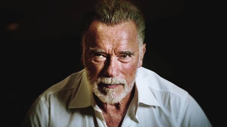 Páros lábbal rúgták hátba Arnold Schwarzeneggert bevezetőkép