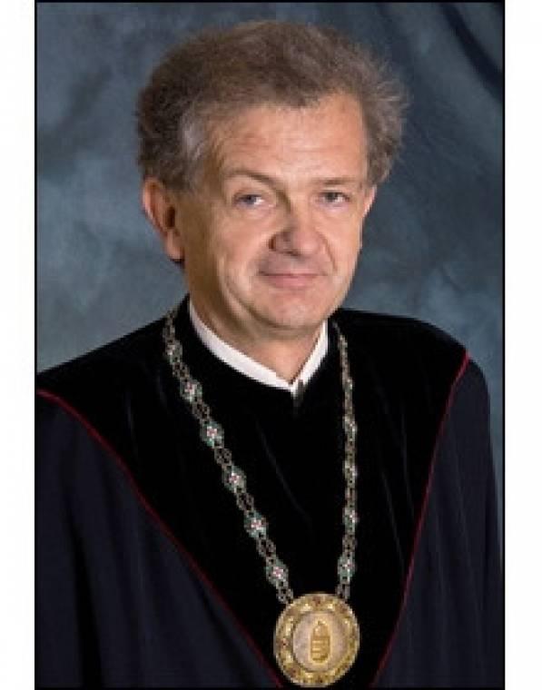 BME Péceli Gábor rektor