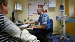 Az angol NHS meg akarja osztani a betegek adatait külső cégekkel is kép