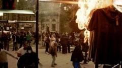 Londoni zavargások a közösségi térben kép