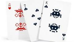 Már nem csak a meztelen csajos a menő - jön a Space Invaders kártyapakli kép