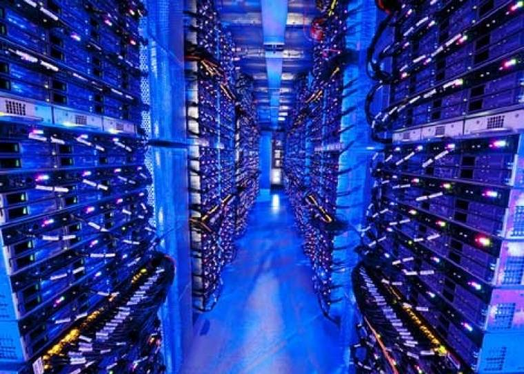 adatközpont schneider electric