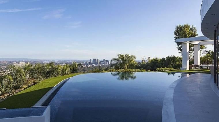 Sétálj körbe Notch Beverly Hills-i villájában bevezetőkép