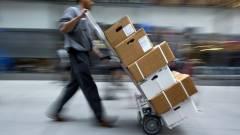 Több konzolt is ellopott a kiszállítandó csomagokból egy postás kép