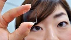 Adattárolás: kvarcüveg az olcsó műanyag lemez helyett kép