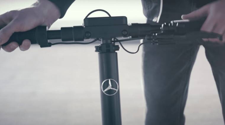Elektromos rollerrel bővül a Mercedes-Benz kínálata kép
