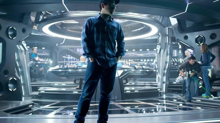 Star Wars VII - visszatér a Millennium Falcon bevezetőkép