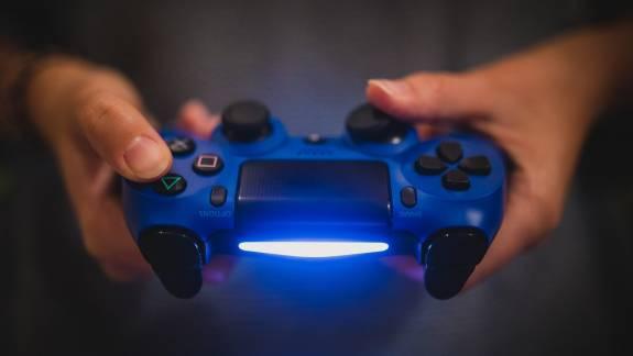 Ennyi idő kell a robotoknak, hogy összerakjanak egy PlayStation 4-et kép