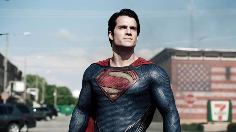 Henry Cavill megmutatta egyik első Superman fotóját, így kívánt boldog nőnapot anyukájának bevezetőkép