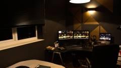Deus Ex hálószoba - neo-noir álmodozáshoz kép