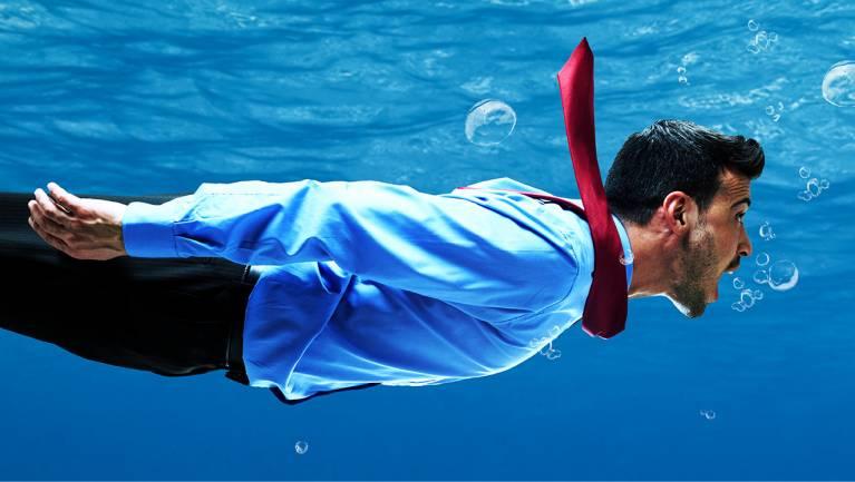 Itt az ideje megtanulni úszni az online mélyvízben kép