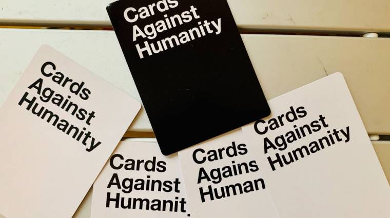 Megjött a családbarát Cards Against Humanity kiegészítő, az egészet letöltheted ingyen bevezetőkép