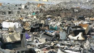 A kínai nagyfalnál is nagyobb tömegben szemetelünk össze elektronikai hulladékot idén kép