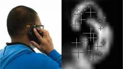 Fülkagylóról azonosít az okostelefon kép