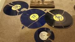 Ez a srác tönkretette a teljes Fallout lemezgyűjteményét, hogy visszakapja az árát kép