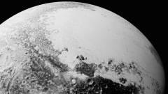 Hegyek, dűnék láthatók a NASA lenyűgöző Plútó fotóin kép