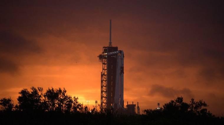 Történelmi pillanat: sikeres volt a SpaceX rakétakilövése kép