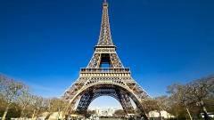 Milliókat kérdezett meg Párizsban a Facebook, jól vannak-e kép