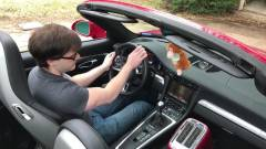 Így fut a DOOM egy Porsche 911 képernyőjén kép
