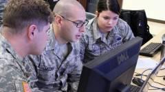 Szakértőket kérnek fel a Pentagon meghackelésére kép