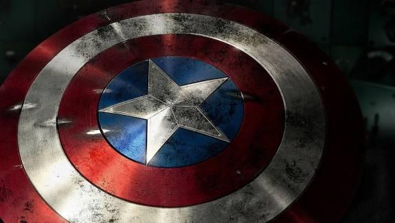 Árverésre került a Chris Evans által használt Amerika Kapitány pajzs kép