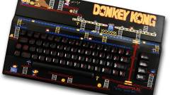 Az egyedi festésű Commodore billentyűzetek egy másik korba repítenek kép