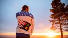 A Windows 95-ös ronda pulcsi lesz az idei karácsony vitathatatlan sztárja kép