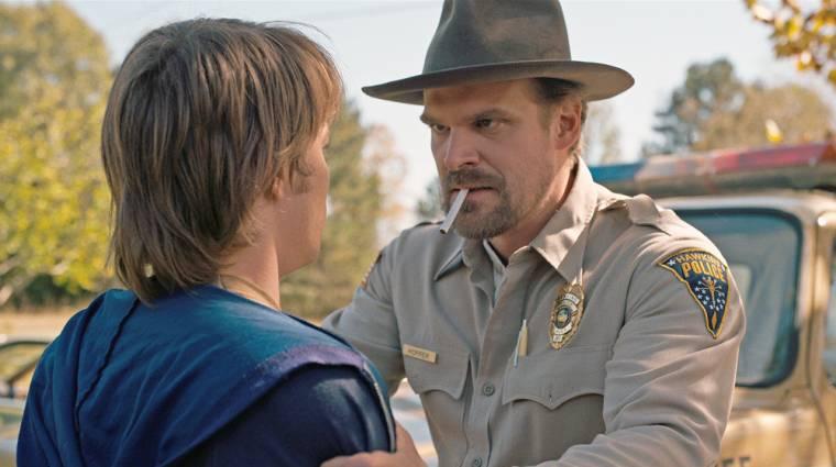 A Stranger Things 4. évadának első előzeteséből kiderül, mi lett Hopper sorsa bevezetőkép