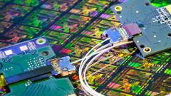 Halál a rézre: az Intel fényből épít adatutat! kép