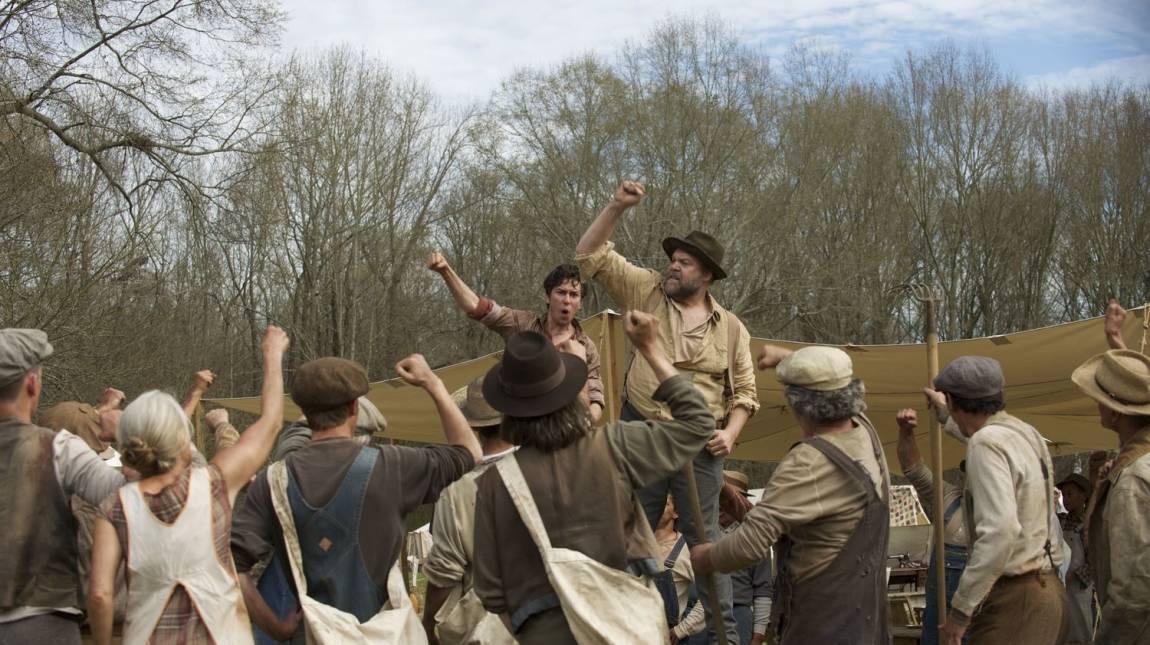 Itt az In Dubious Battle első trailere - James Franco sztárparádéja kép