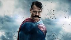 Az Igazság Ligája - így kell eltávolítani olcsón Superman bajszát kép