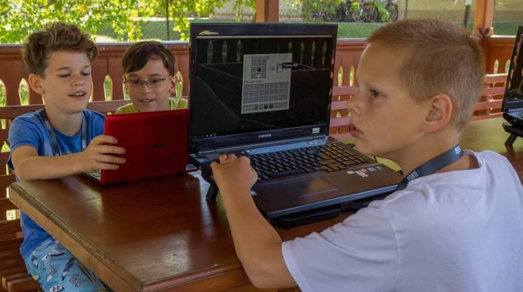 Nyolc ifjú gamer ingyen tanulhat programozni a nyáron bevezetőkép