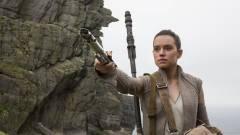 Rian Johnson megindokolja Rey szüleinek jelentőségét kép