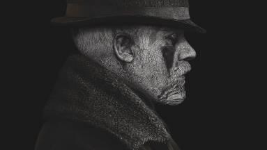 Parádés magyar szinkronnal jön Tom Hardy sorozata, a Tabu kép